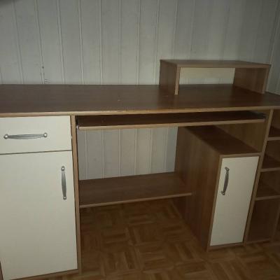 Schöner Schreibtisch - thumb