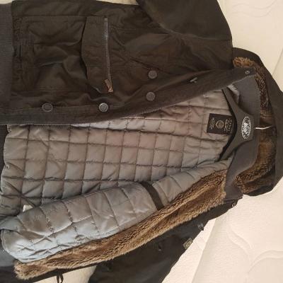 Warme Winterjacke mit Kapuze für Jugendlichen/ jungen Erwachsenen - thumb