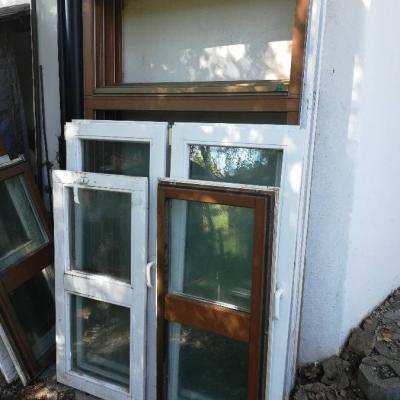 4 Südtirol Fenster mit Stock - thumb