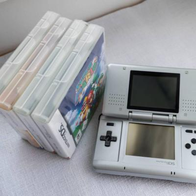 Nintendo DS mit Spielen und Koffer - thumb