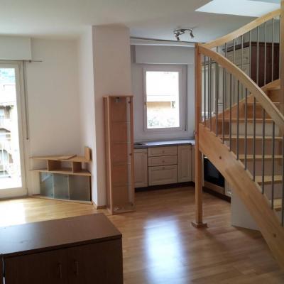 Vermiete große, helle 2 Zimmerwohnung + Dachboden - thumb