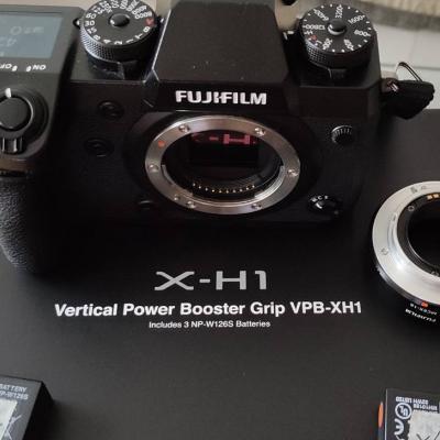 Fujifilm X-H1, mit Batteriegriff, OVP - thumb