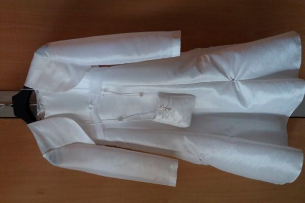 Verkaufe neuwertiges Erstkommunionkleid Größe 122