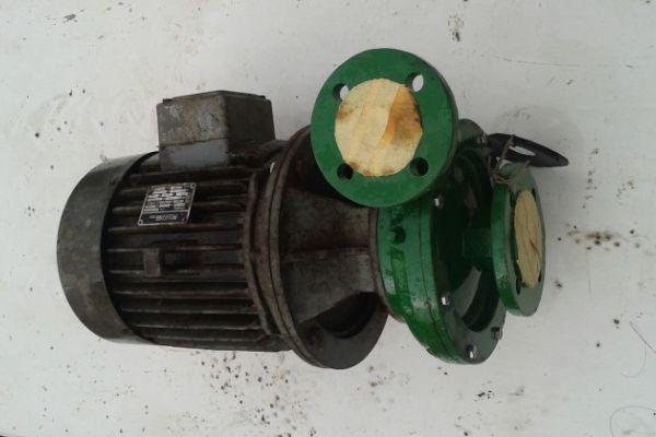 Pumpe mit Elektromotor