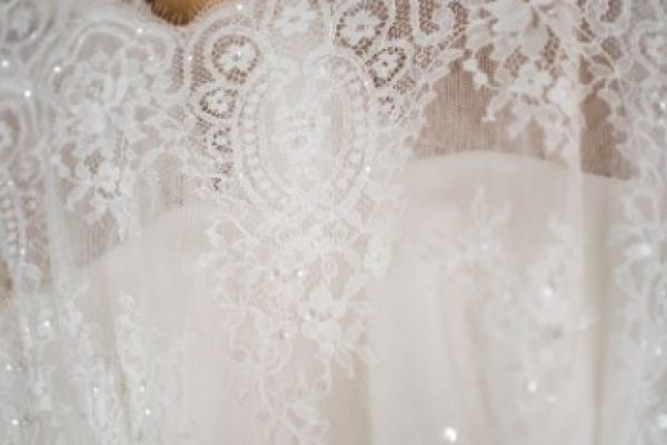 Verträumtes leichtes Brautkleid