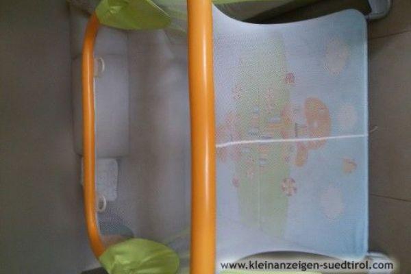 Gehschule/ Box America cam mit Spielteppich