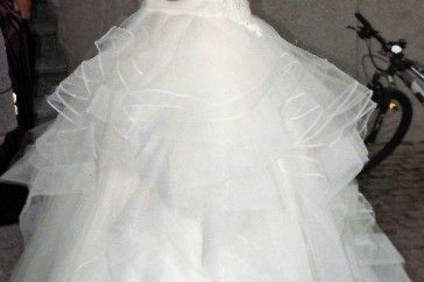 Brautkleid mit Bolero zu verkaufen