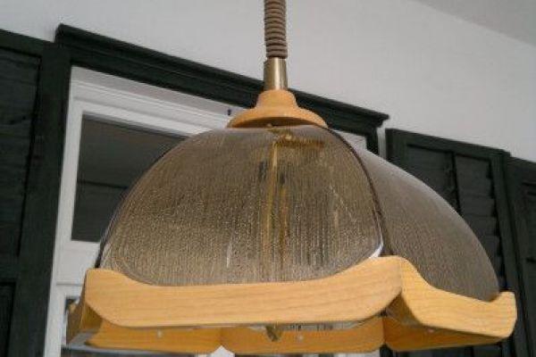 LAMPENSCHIRM aus Glas u. Holz