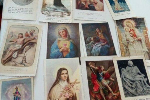 Heiligen und Gebetsbildchen