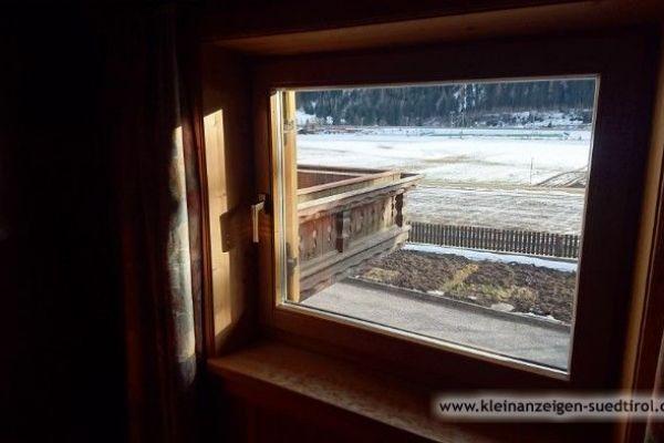 Verschiedene Fenster und Türen