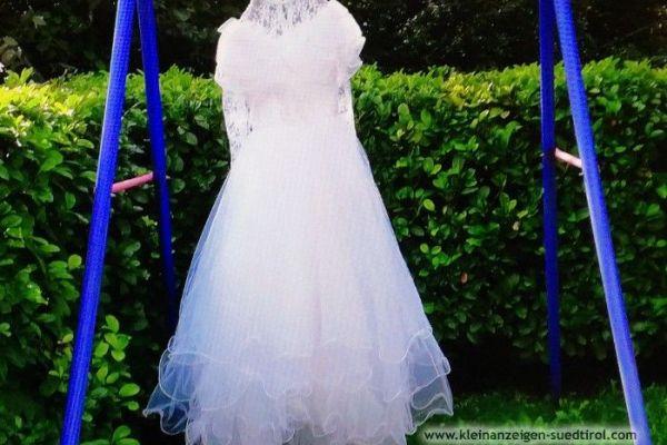 Hochzeitskleid im Angebot