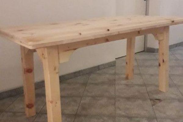 Zirbenholztisch