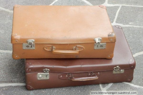 Verkaufe alte Koffer