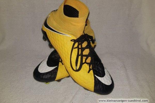 Nike Fußballschuhe größe 40