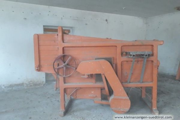 Stand-Dreschmaschine funktionstüchtig