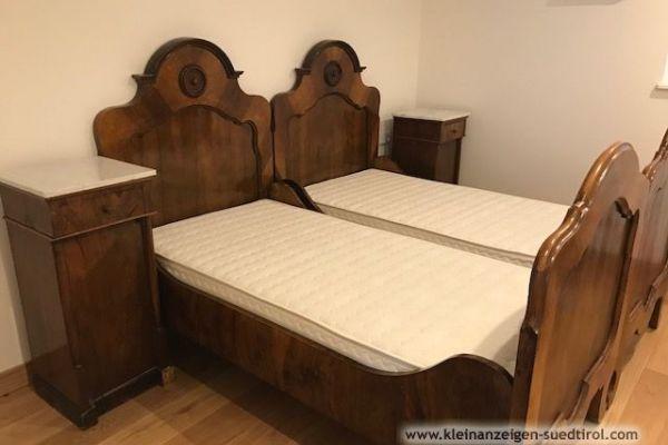 Set Bett Jahrhundertwende mit neuen Lattenrosten