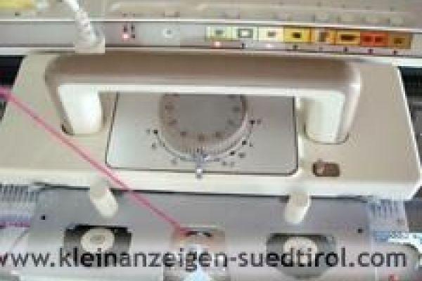 Zwei-Bett-Strickmaschine