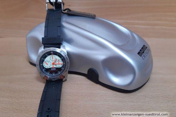 Verkaufe neue Uhr der Marke MOMO DESIGN