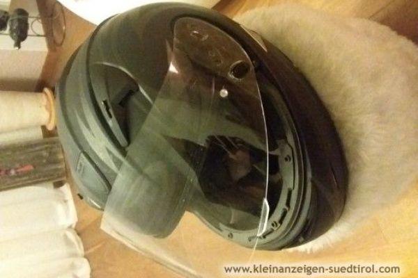 Motorradhelm zu verkaufen