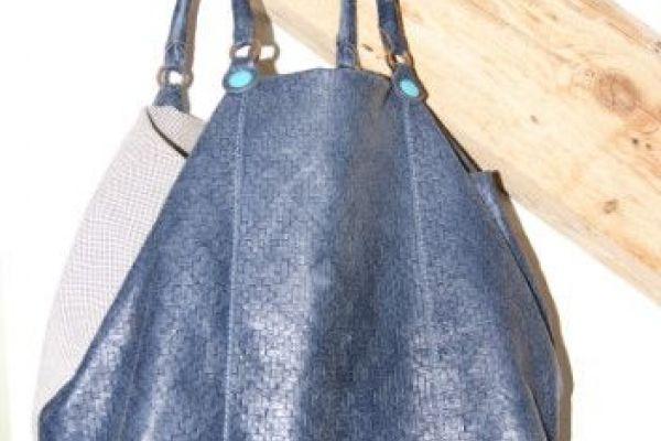Umhängetasche - GABS /Farbe blau/Preis auf Wunsch