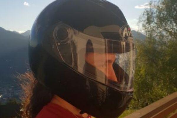 Verkaufe Helm und Nierengurt