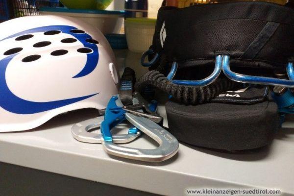 Klettersteiggurt und Helm