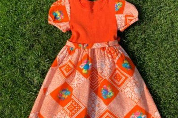 Süßes Kleid für ca. 4 Jahre