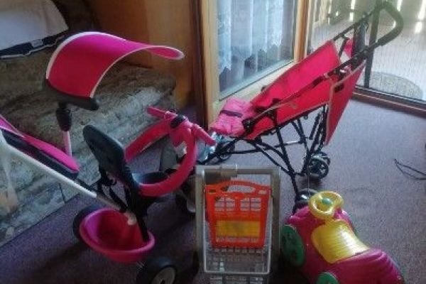 Kinder fahrrad und kinderwagen