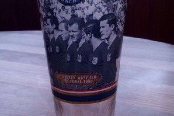 Biergläser des FC. Bayern