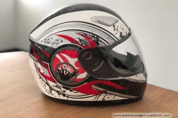Motorradhelm günstig zu verkaufen
