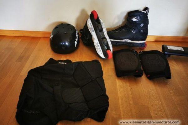 Rollerblades und Schutzausrüstung