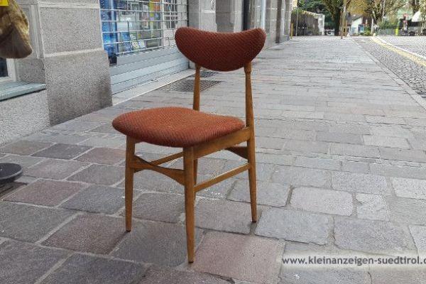 Ich suche diese Stühle.