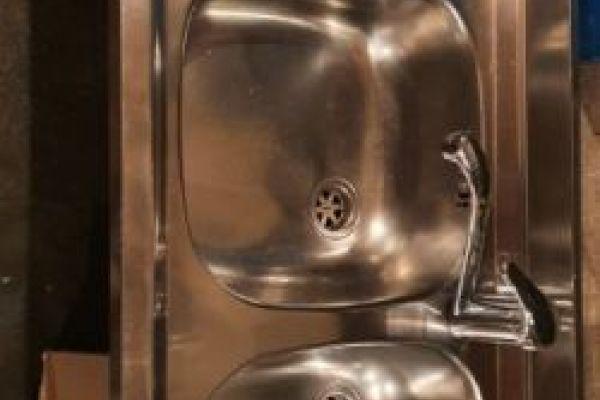 Waschbecken Edelstahl + Wasserhahn