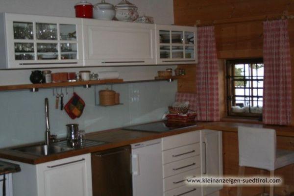 Küchenmöbel mit Ceran-Kochfeld