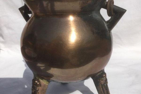Preisgesenkt - Bronzekessel - massiver Dreifuß