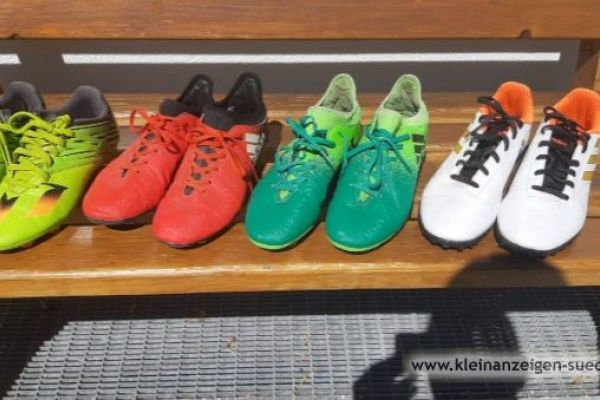 Fußballschuhe verschiedene Größen
