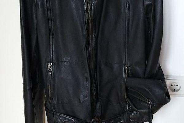 Damen-Lederjacken   1 schwarz und 1 beige