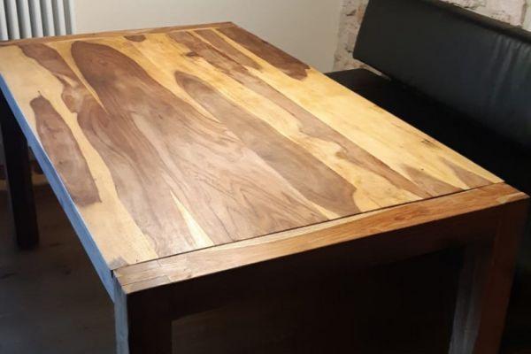Tisch aus Sheeshamholz Maße 160 x 90 cm