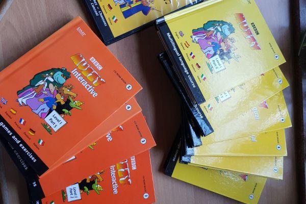 5 Sprachen lernen mit diesesn DVD und Bücher