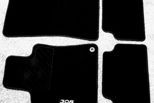 Autoteppiche/Fussmatten PEUGEOT 308
