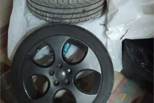 4 GTI Reifen mit Felgen
