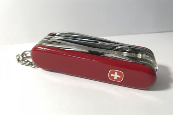 Schweizer Taschenmesser (10 Funktionen)