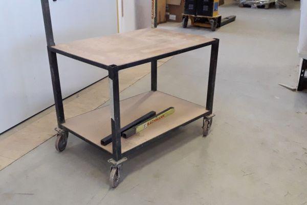 Tischwagen  mit hoher Tragkraft 1030x700x800h..