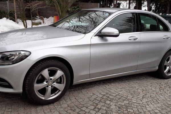 Verkaufe Mercedes C Klasse 220 diesel Berlina