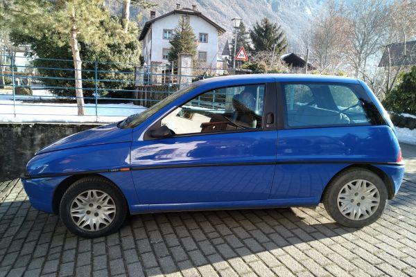 Lancia Y garagengepflegt