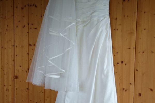 Brautkleid LILLY mit Schuhen und Reifrock