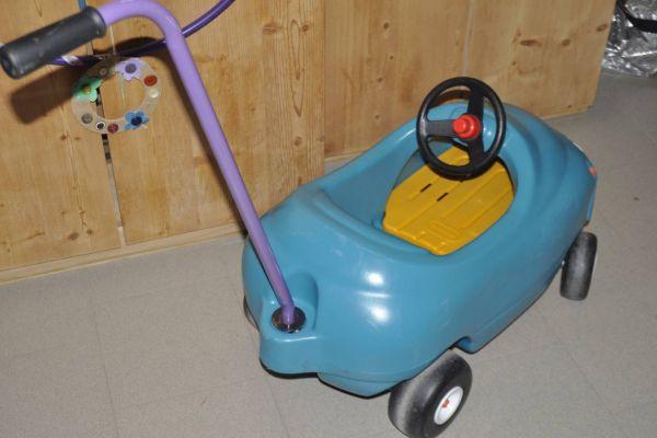 Little tikes Auto zum schieben mit Stange und Sitzbrett zum rausnehme