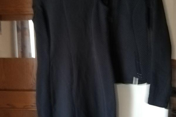 schönes Kleid mit  dazugehöriger Jacke klein geschniten Gr.40 /42