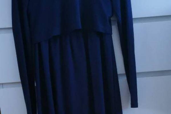 Kleid für die Schwangerschaft und Stillzeit in Größe S zu verkaufen