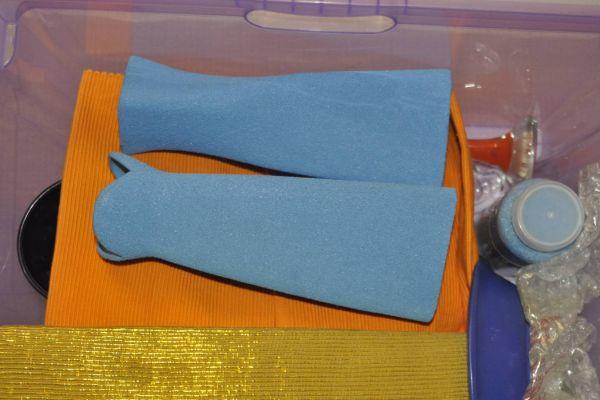 2 Tonvasen in hellen Blau
